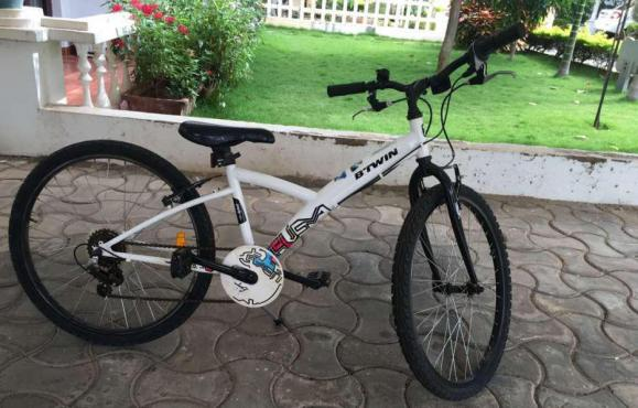 Btwin poply 300 24 inch bicycle 5 speed