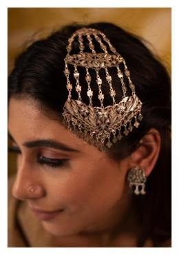 Ethnic women's wear and vintage silver Jewelry